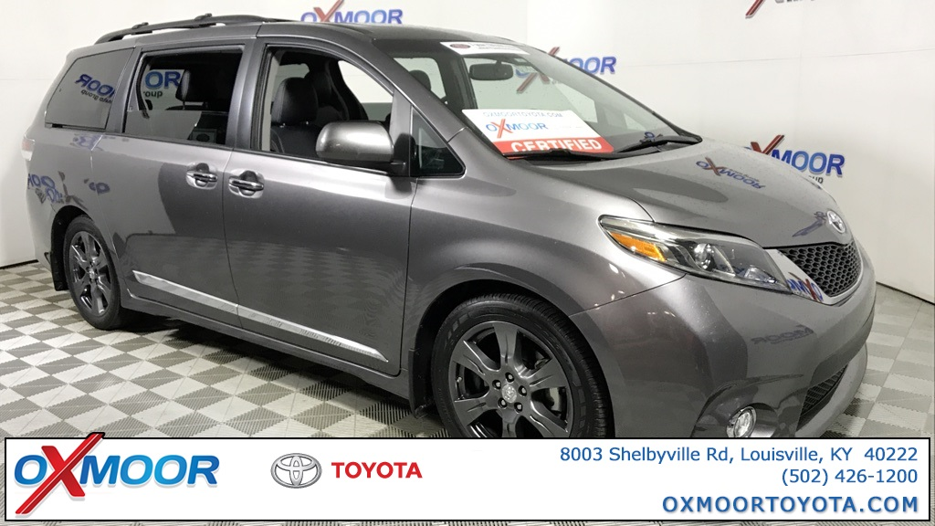 Pre-Owned 2017 Toyota Sienna XLE Premium with Navigation