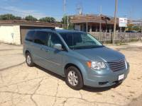 2010 Chrysler Town and Country Touring 4dr Mini Van