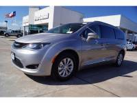 2017 Chrysler Pacifica FWD Touring-L Van in Baytown, TX