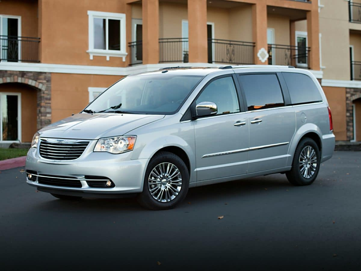 2013 Chrysler Town & Country Touring-L Van Front-wheel Drive in Waterford