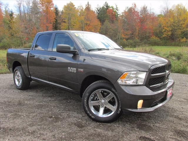 2017 Ram 1500 Express 4x4 Express Crew Cab 5.5 ft. SB Pickup for sale Near Cleveland
