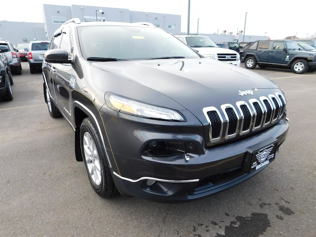 Certified Pre-Owned 2016 Jeep Cherokee Latitude 4x4 (Certified Pre-Owned) Four Wheel Drive SUV