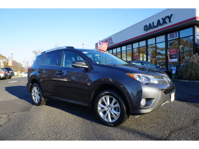 Pre-Owned 2013 Toyota RAV4 AWD Limited 4dr SUV AWD