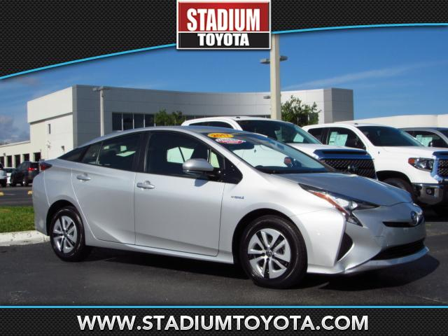Pre-Owned 2017 Toyota Prius Four FWD