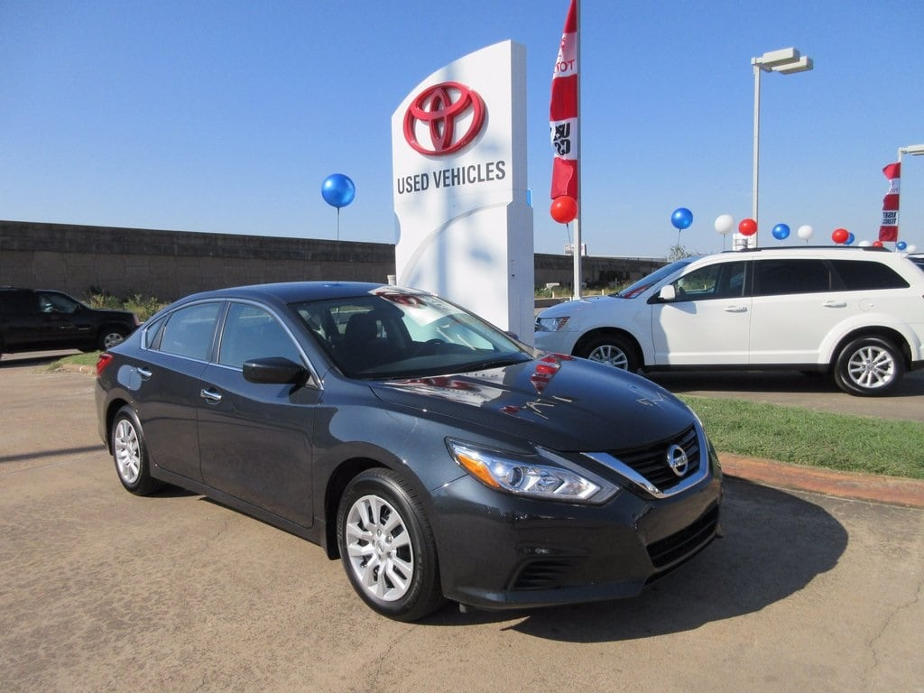 Used 2017 Nissan Altima 2.5 S Sedan FWD For Sale in Houston