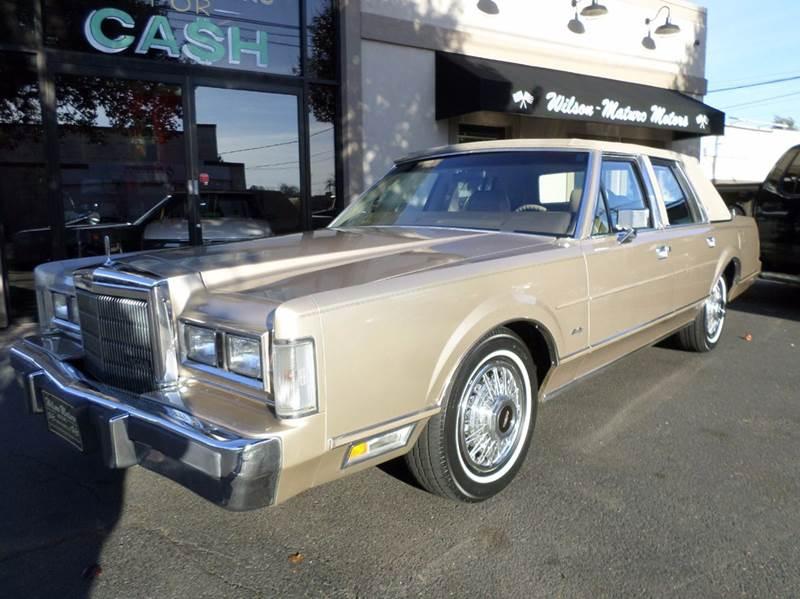 1989 Lincoln Town Car 4dr Sedan