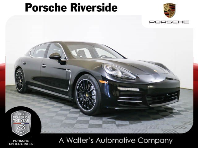 Photo Certified Pre-Owned 2015 Porsche Panamera 4S Executive