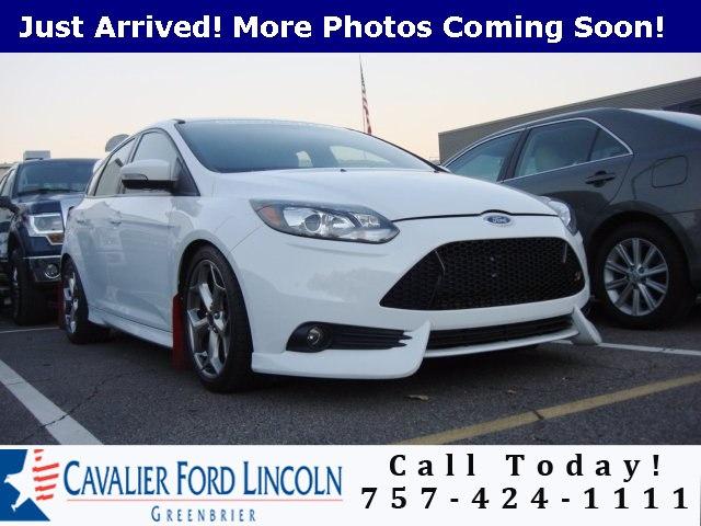 Photo 2014 Ford Focus ST Base Hatchback I4 16V GDI DOHC Turbo