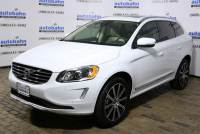 Pre-Owned 2017 Volvo XC60 T6 AWD Inscription AWD