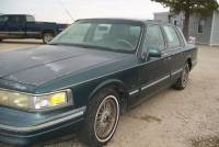 1995 Lincoln Town Car Signature 4dr Sedan