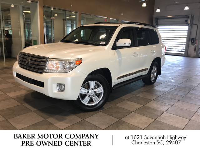 Photo Pre-Owned 2013 Toyota Land Cruiser Base Four Wheel Drive SUV