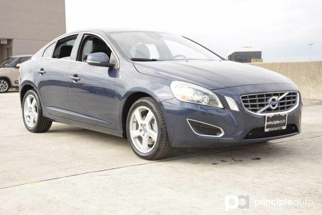 Photo Used 2013 Volvo S60 T5 Platinum, Leather Seats, Navigation, Power Sunr Sedan For Sale San Antonio, TX
