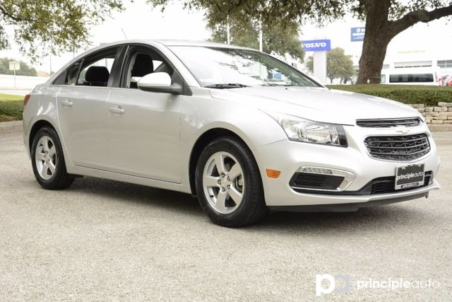 Photo Used 2016 Chevrolet Cruze Limited LT, Aluminum Alloy Wheels Sedan For Sale San Antonio, TX