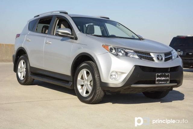 Photo Used 2014 Toyota RAV4 XLE, Aluminum Wheels. SUV For Sale San Antonio, TX