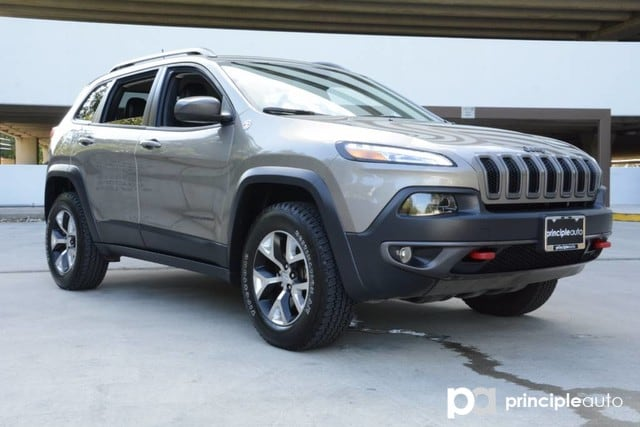 Photo Used 2017 Jeep Cherokee Trailhawk, Aluminum Wheels SUV For Sale San Antonio, TX
