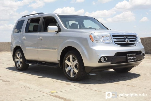 Photo Used 2014 Honda Pilot Touring, Aluminum Wheels, Fixed Running Boards. SUV For Sale San Antonio, TX