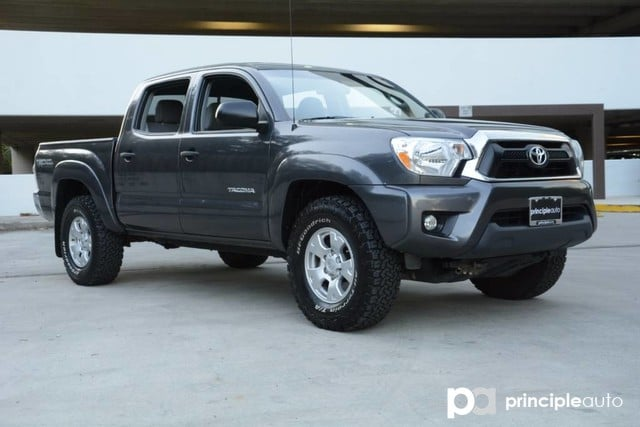 Photo Used 2013 Toyota Tacoma Aluminum Wheels, Bed Liner, JBL Stereo, Navigation Truck Double Cab For Sale San Antonio, TX