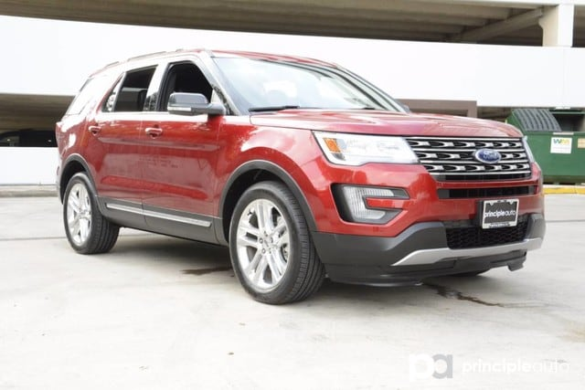 Photo Used 2017 Ford Explorer XLT, Aluminum Wheels, Navigation, Power Sunroof, R SUV For Sale San Antonio, TX