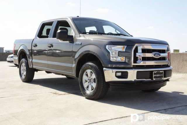 Photo Used 2017 Ford F-150 XLT, Aluminum Wheels, Bed Liner, Cruise Control, P Truck SuperCrew Cab For Sale San Antonio, TX