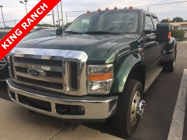 Photo Used 2008 Ford F-450 King Ranch Truck Crew Cab V-8 cyl in Waterford, MI