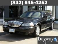 2003 Lincoln Town Car Signature 4dr Sedan