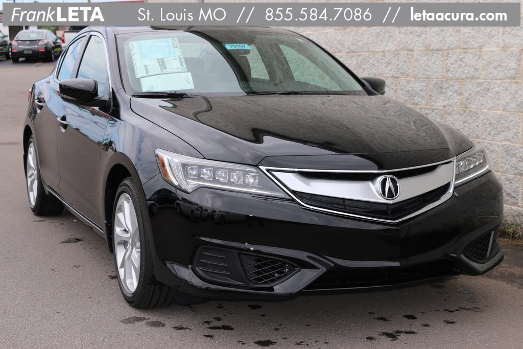 Photo Pre-Owned 2017 Acura ILX Premium Package FWD 4D Sedan