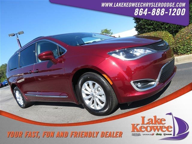 Photo Certified Used 2017 Chrysler Pacifica Touring-L Touring-L FWD For Sale NearAnderson, Greenville, Seneca SC