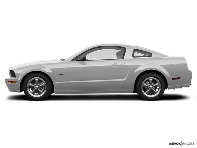 Photo Used 2007 Ford Mustang GT Premium Coupe V8 OHC 24V in Cincinnati