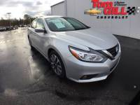 Pre-Owned 2017 Nissan Altima FWD 4dr Car