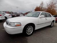 Used 2006 Lincoln Town Car 4dr Sdn Signature Car in Clarksville, TN