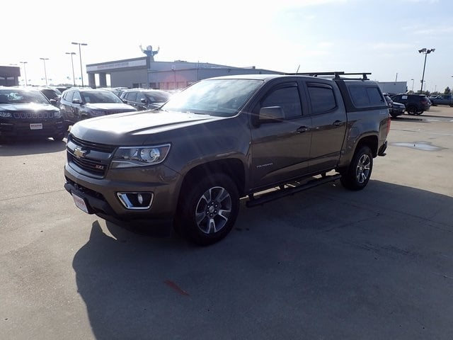 Photo Used 2016 Chevrolet Colorado Z71 Truck Crew Cab For Sale in Fort Worth TX