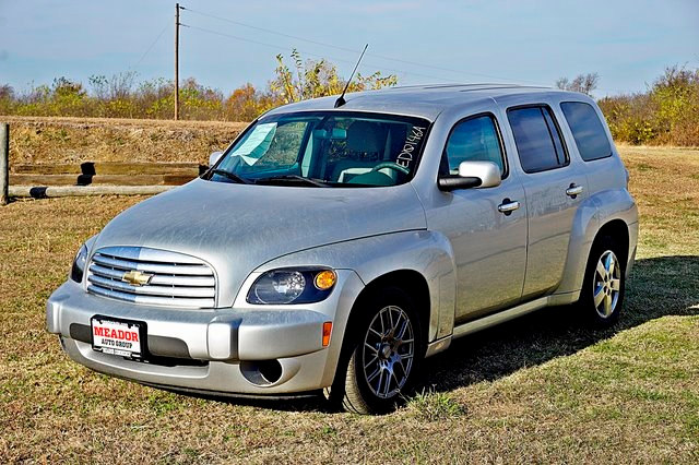 Photo Used 2010 Chevrolet HHR LT SUV For Sale in Commerce TX