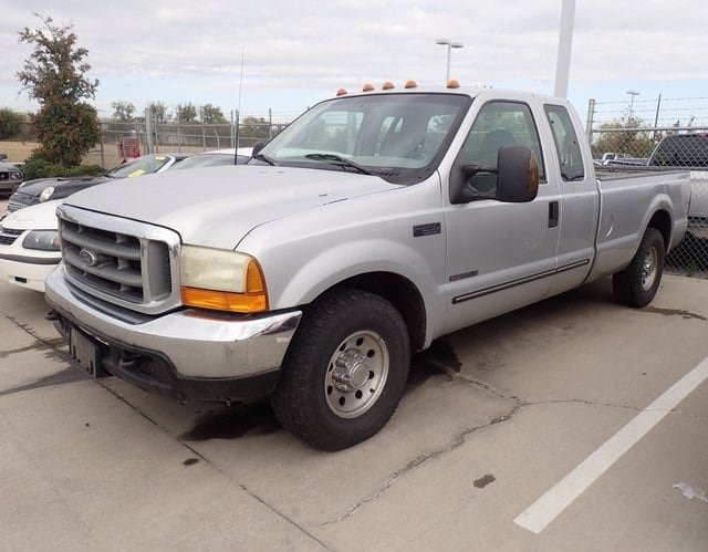 Photo Used 2000 Ford F-250 Truck Super Cab For Sale in Fort Worth TX