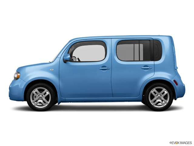 Photo Used 2014 Nissan Cube 1.8 Wagon For Sale in Fairfield, CA
