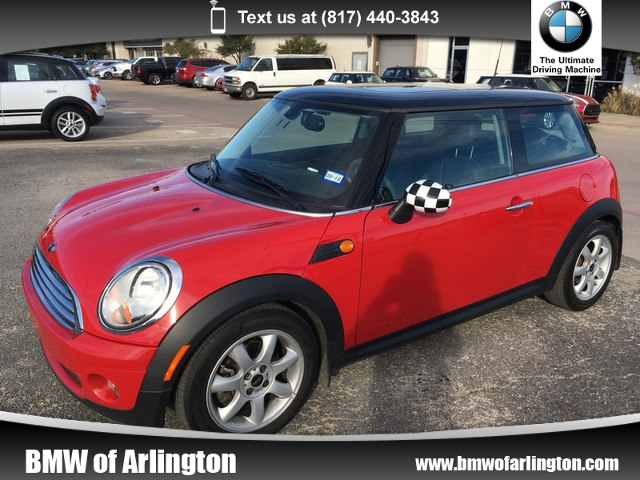Photo Used 2009 MINI Cooper Hatchback Front-wheel Drive in Arlington