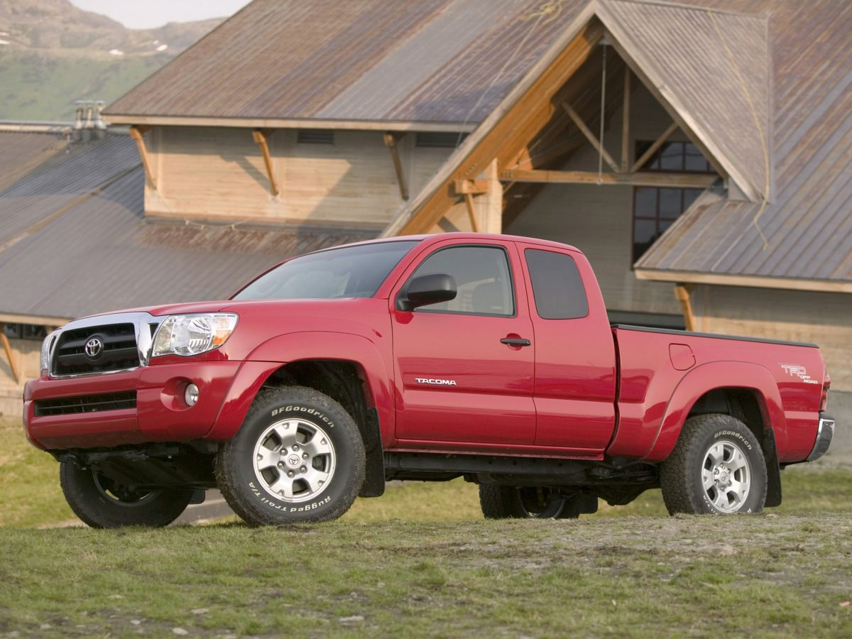 Photo Pre-Owned 2005 Toyota Tacoma PreRunner RWD 4D Double Cab
