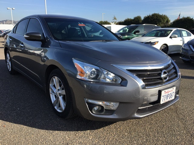 Photo Used 2015 Nissan Altima 2.5 SL Sedan in San Leandro, CA