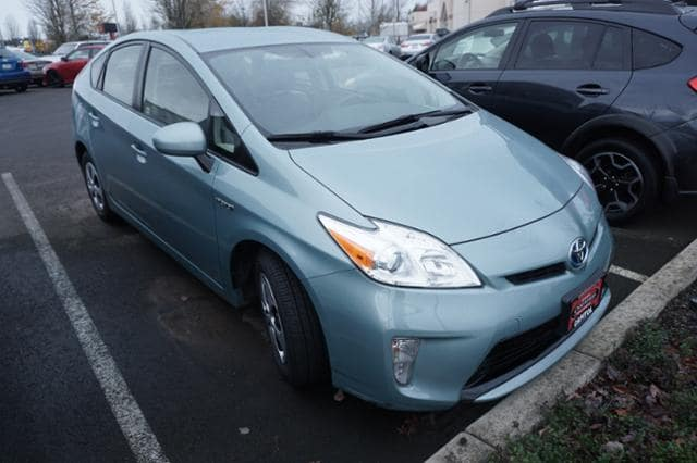 Photo Used 2013 Toyota Prius 5dr HB Four in Salem, OR