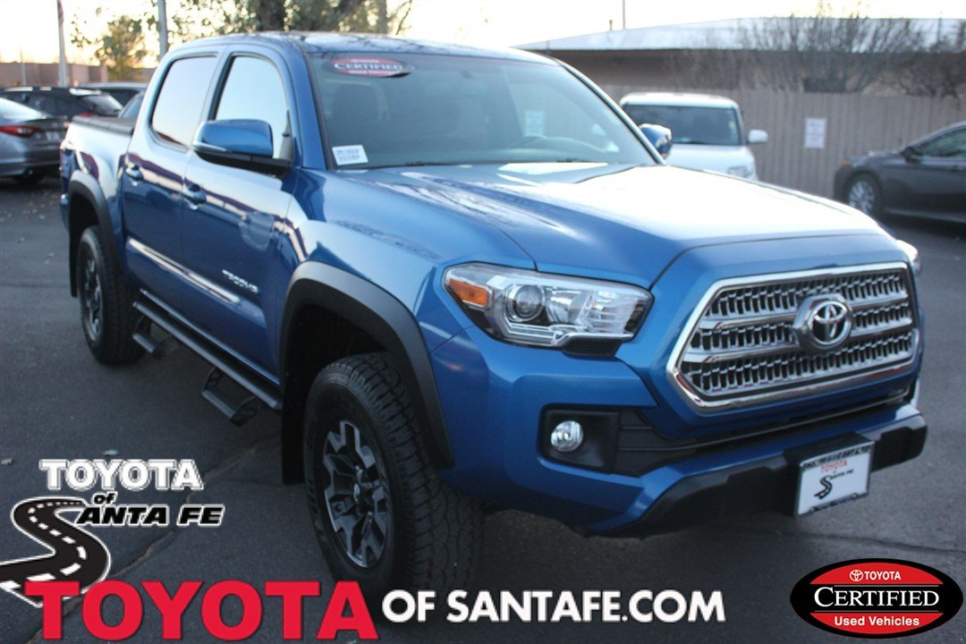 Photo Certified Pre-Owned 2016 Toyota Tacoma TRD Off Road With Navigation  4WD