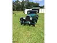 1927 Auburn sedan
