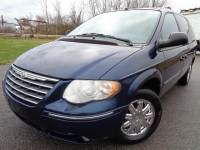 2005 Chrysler Town and Country Limited 4dr Extended Mini-Van