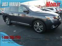2014 Nissan Pathfinder Platinum 4x4 w/ Navigation & Rear DVD