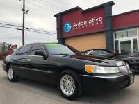 1999 Lincoln Town Car Signature 4dr Sedan