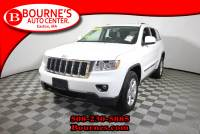 2013 Jeep Grand Cherokee Laredo w/ Navigation,Leather,Sunroof,Heated Front Seats, And Backup Camera.