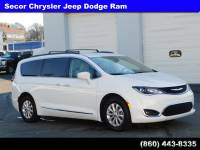 Used 2017 Chrysler Pacifica Touring-L Touring-L FWD For Sale in New London | Near Norwich, CT