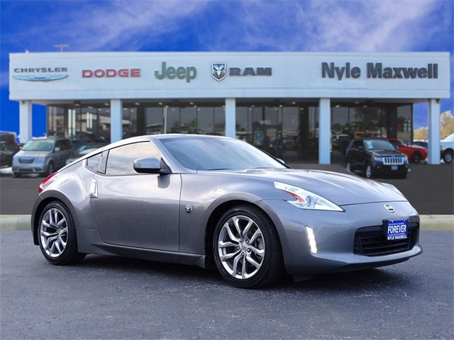 Photo Used 2014 Nissan 370Z Touring Coupe in Taylor TX