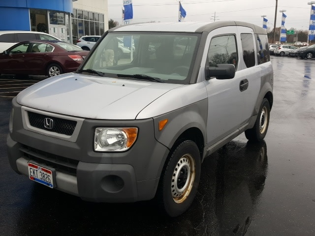 Photo Used 2004 Honda Element LX SUV in Akron OH