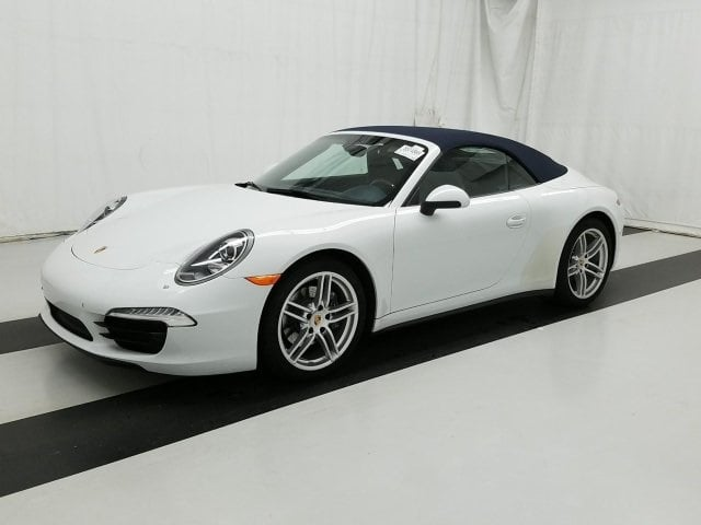 Photo Used 2016 Porsche 911 Carrera 4 Convertible in Akron OH