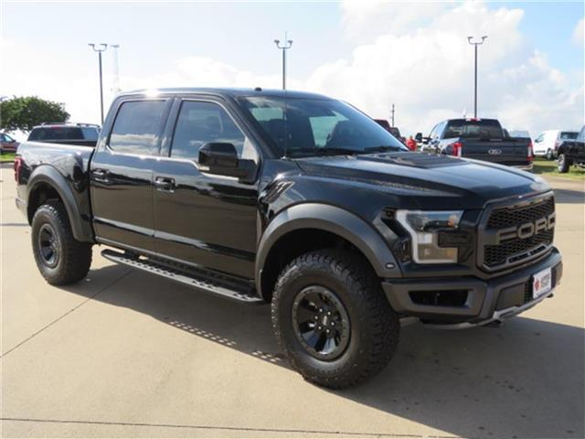 Photo New 2018 Ford F-150 Raptor 4x4 SuperCrew Cab Styleside 5.5 ft. box 145 in. WB Four Wheel Drive Raptor 4x4 SuperCrew Cab Styleside 5.5 ft. box 145 in. WB