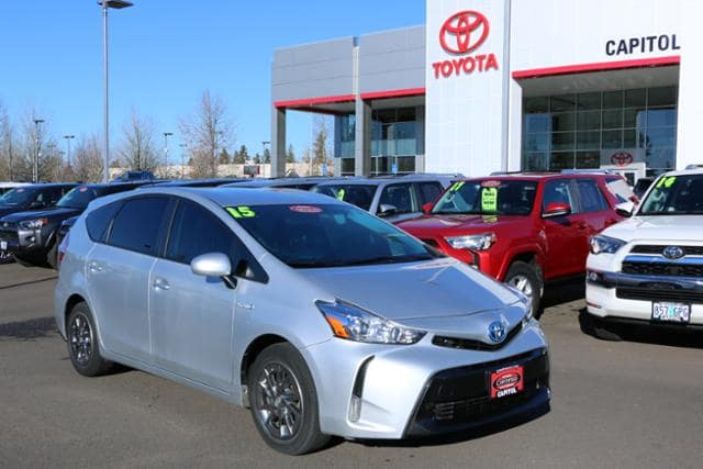 Photo Used 2015 Toyota Prius V 5dr Wgn Four in Salem, OR